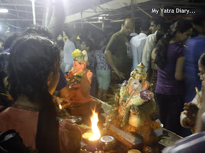 Ganpati aarti being performed before visarjan