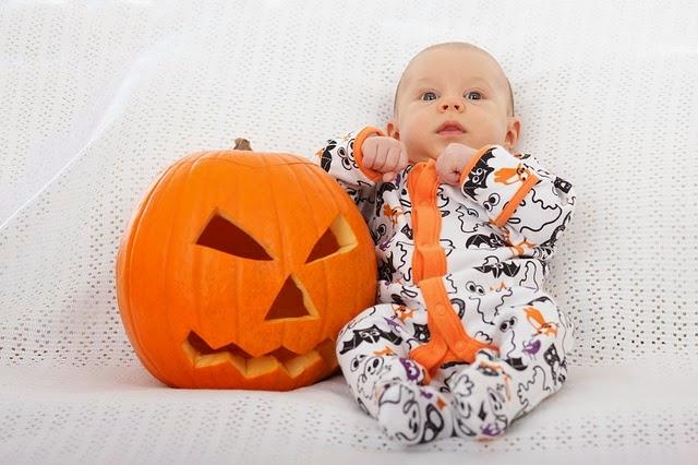 halloweenbilder sch ne halloween babybilder. Black Bedroom Furniture Sets. Home Design Ideas