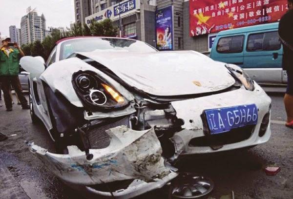 Alahai Kereta baru beli alami kemalangan setelah tinggalkan kedai tempat beli kereta