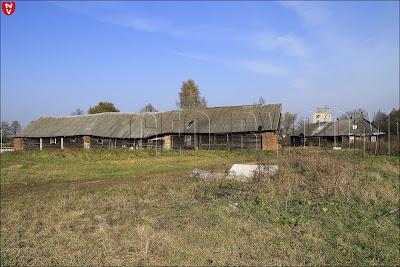 Поморщина. Усадьба Пролесковских: конюшня