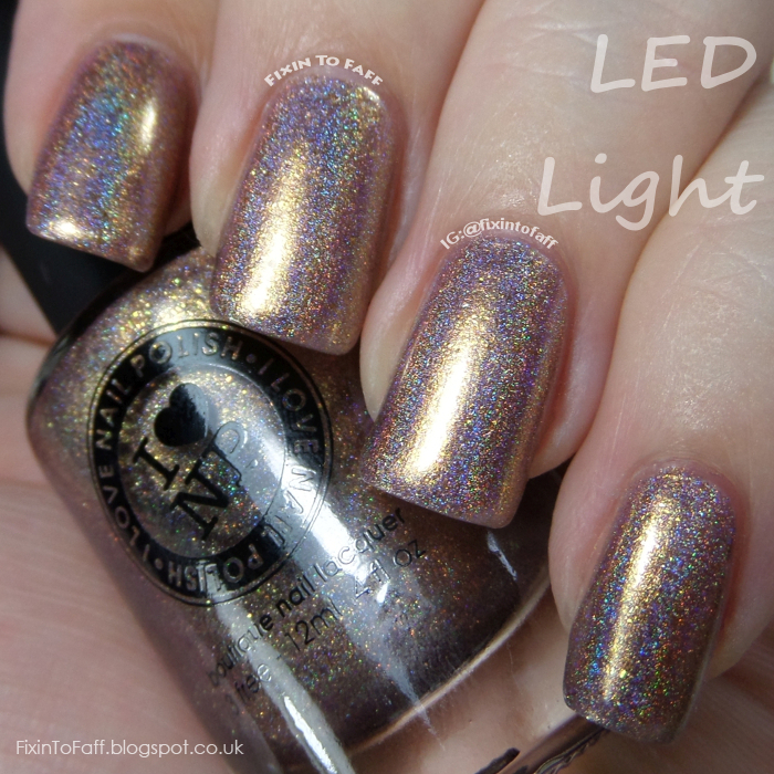 Swatch of ILNP Iconic under daylight LED bulb.