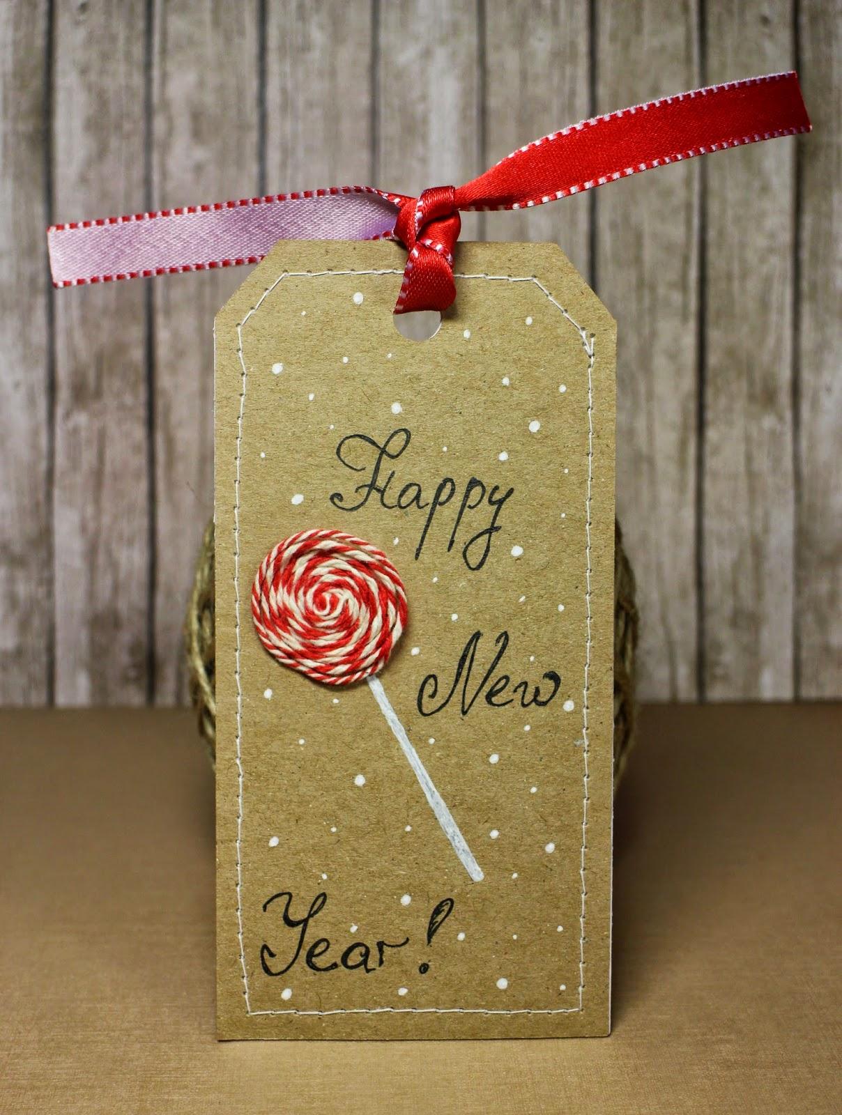 tag scrapbooking kraft paper New Year red white скрапбукинг тег белый красный крафт Новый год hamster-sensey