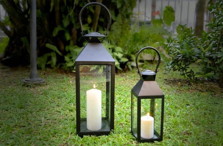 Estas lanternas de Jardim ficam um charme no caminho da noiva