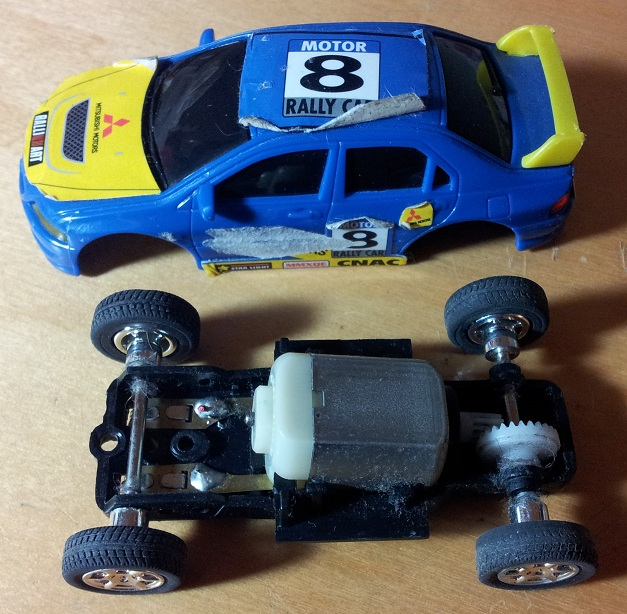 since i needed another project to start to justify not working on all the important stuff i decide to re purpose one of those car into a mini rc car that i