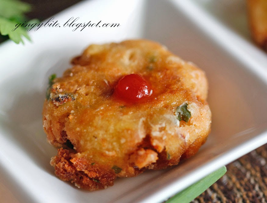 Salmon Perkedel (Salmon Potato Patty) 三文鱼马铃薯煎饼