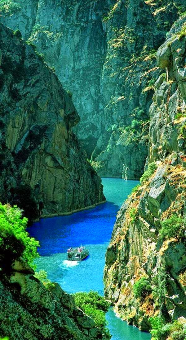 The amazing river in Portugal Brazil, awesome love it