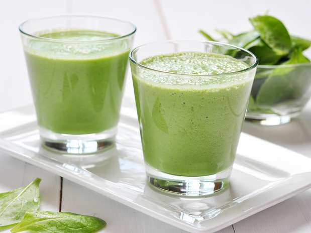 smoothie, suco verde, bebida saudável, sumo detox, smoothie antioxidante, pele bonita e luminosa, beleza, estilo de vida saudável, smoothie verde, papaia, tâmaras, espinafres, limão, receita de smoothie verde, style statement, blog de moda, blogue de moda, blog de moda portugal, blogues de moda portugueses