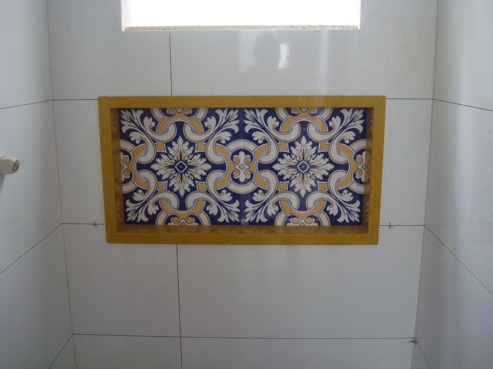 Construindo um Castelinho: Qual o porcelanato? E o revestimento? #67491D 1600x1200 Banheiro Branco Com Rejunte Azul