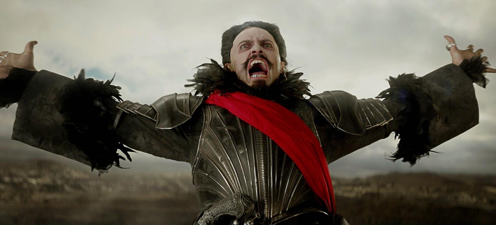 Hugh Jackman voa em navios piratas no primeiro trailer legendado de PAN