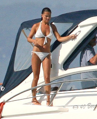 Hollywood Pippa Middleton Sunbathing
