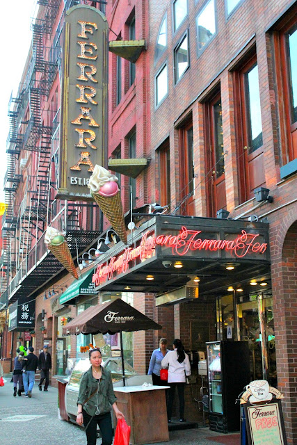Ferrara Bakery And Cafe In Little Italy Nyc Style Amp A