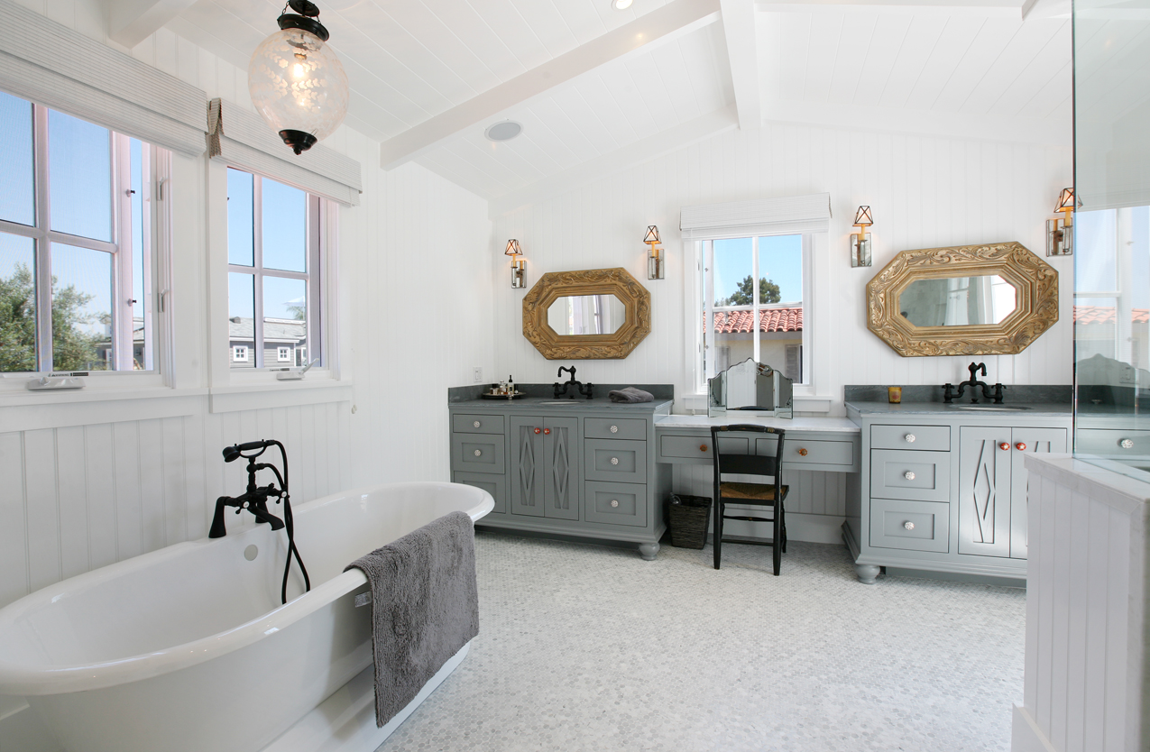 Seaworthy living lido isle beach house newport beach for Beach house master bathroom