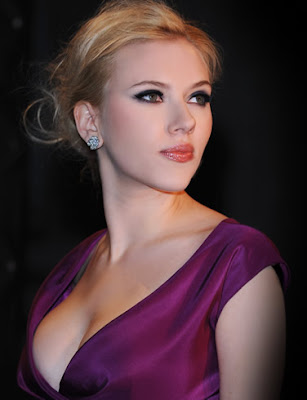 Scarlett Johansson Wallpaper in purple
