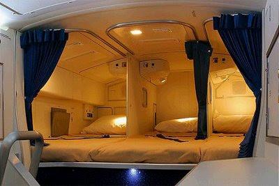 Tempat Tidur Pramugari Dalam Pesawat