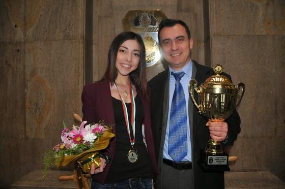 Камелия Колева - двукратна олимпийска шампионка по УШУ и треньора и Стефан Колев