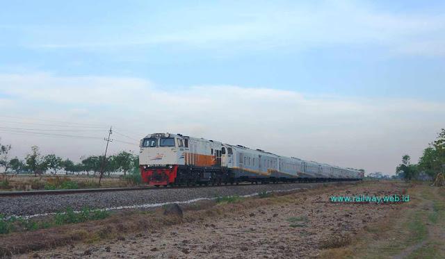Gambar Kereta Api Gajayana