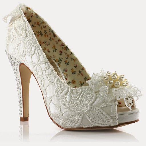 wedding shoes; wedding shoes ideas; wedding shoes designs; wedding shoes prices; wedding shoes bride; women wedding shoes; princess wedding shoes; elegant wedding shoes; luxury wedding shoes; wedding fashion; women wedding fashion; wedding ideas; wedding tips; wedding shoes model