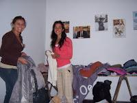 Colecta y selección de vestimenta en La Cámpora Necochea y Quequén