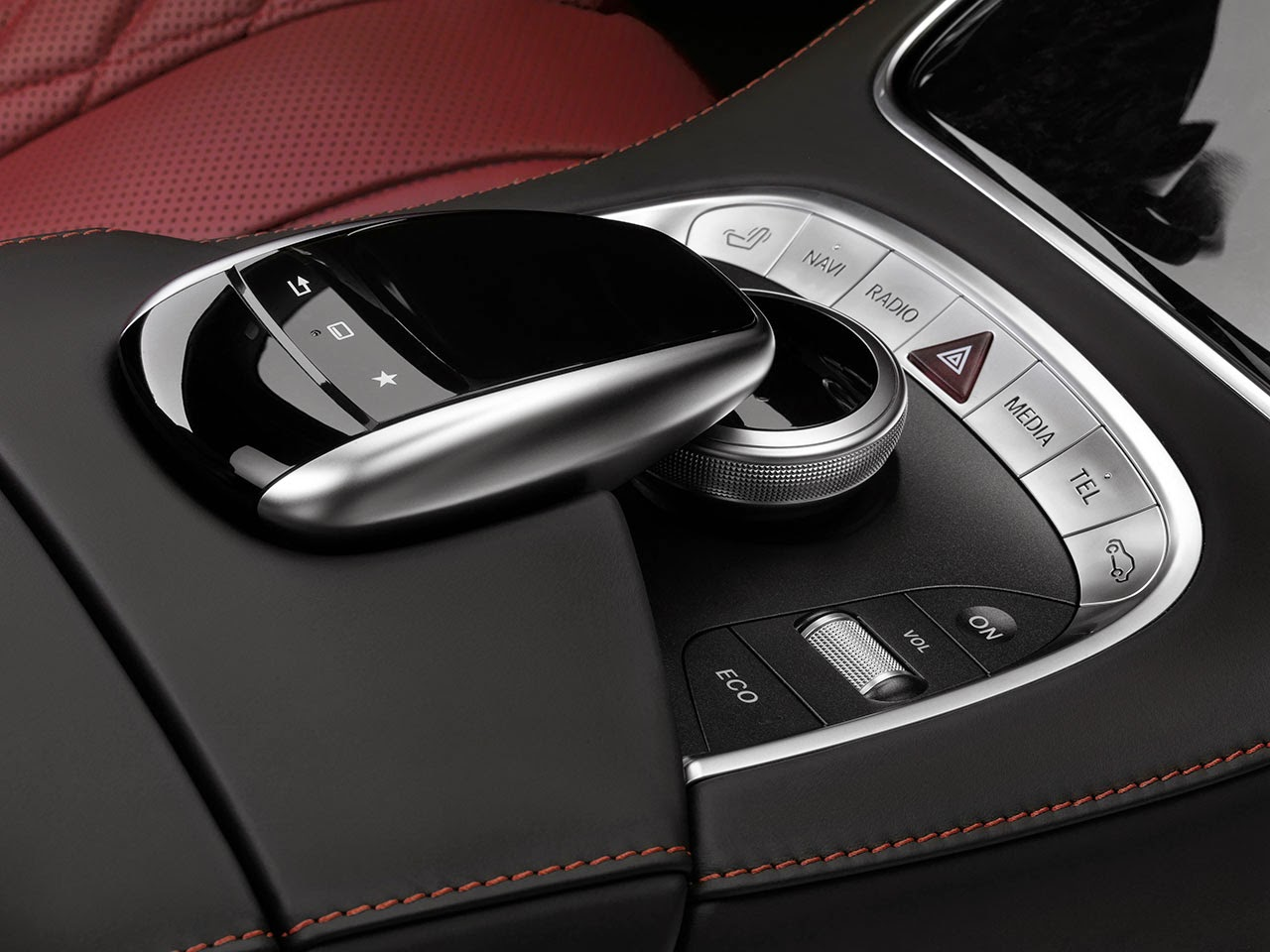Mercedes-Benz S-Class Coupé detail