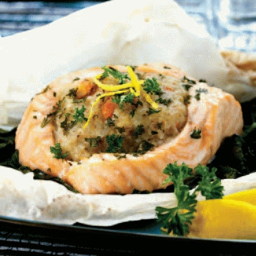 Stuffed Salmon Fillets in Parchment with Spinach