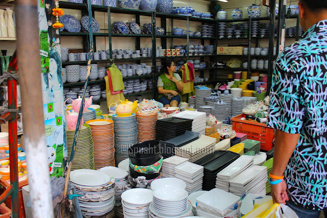 Spusht | Dinnerware and serveware at Jatujak Market, Bangkok