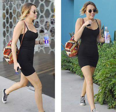 Miley-Cyrus-Rides-Her-Bike-Without-Underwear