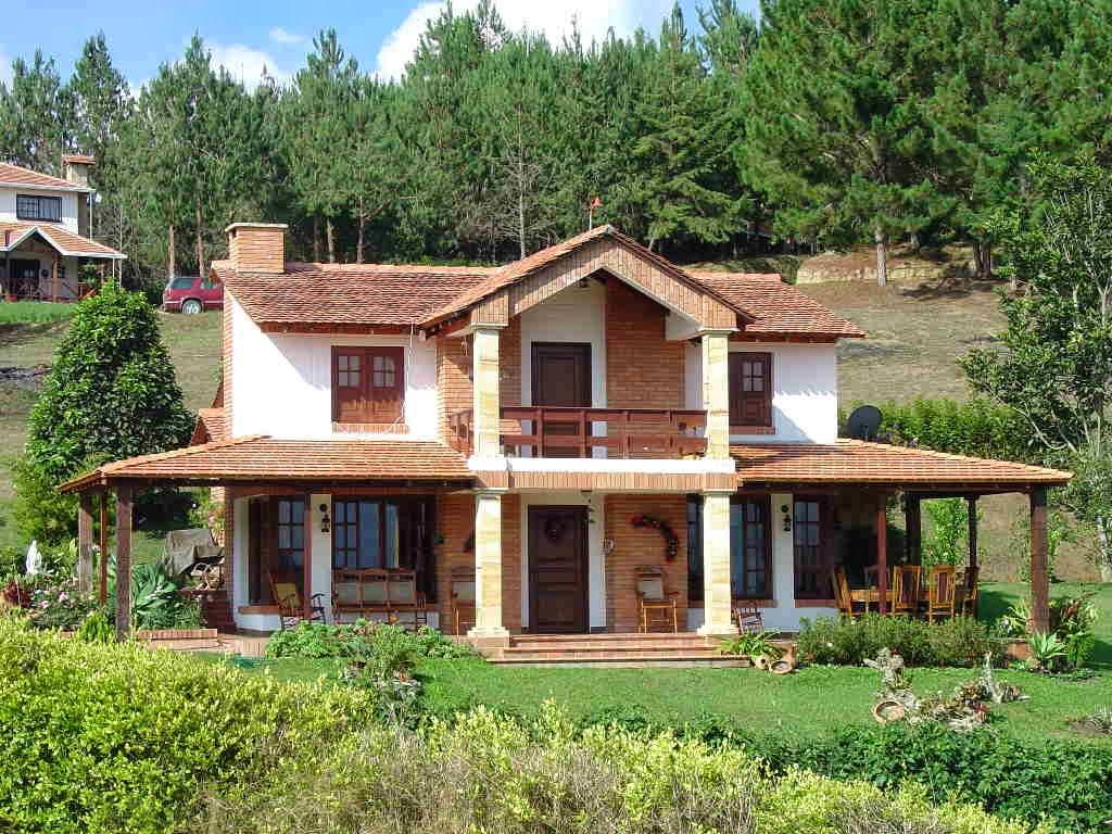 Decoracion actual de moda fachadas de casas de campo for Cubiertas para casas campestres