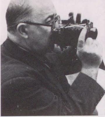 Ferit İbrahim Bey, fotoğrafçılığa 1898'de başladı.