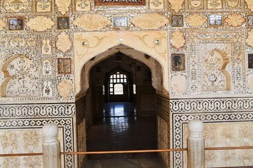inside Sheesh Mahal