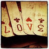 Hasta las cartas dicen Amor.