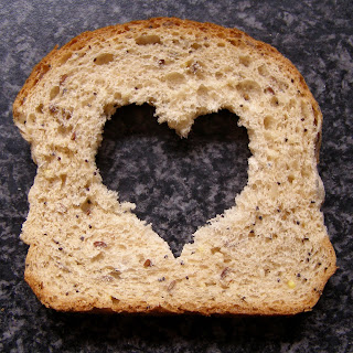 Kisah Ramadhan : Mama dan Sepotong Roti