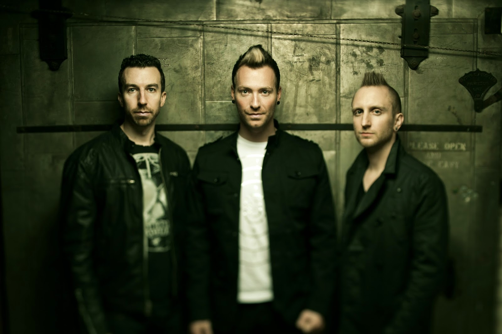 Thousand Foot Krutch - Oxygen Inhale 2014 Biography and History
