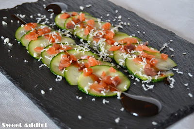 http://www.sweetaddict.es/2014/06/carpaccio-de-calabacin-con-salmon.html