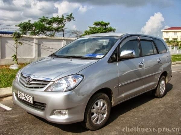 Cho thuê xe 7 chỗ Innova Toyota đón tiễn bay tại Hà Nội