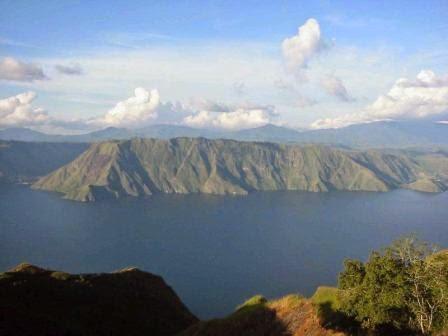 tempat wisata danau toba yang legendaris