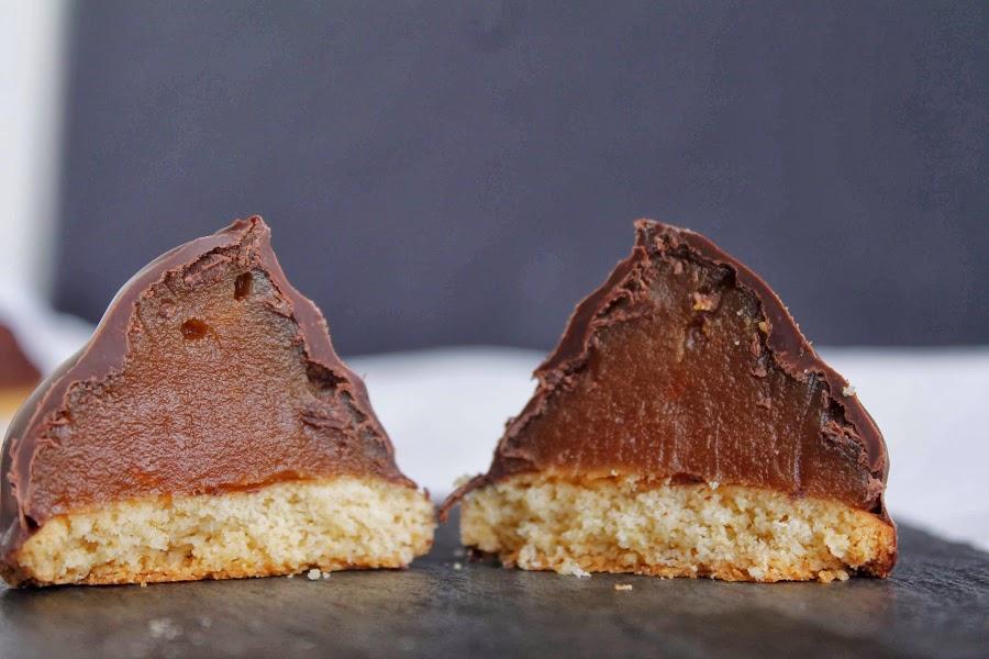 Conos de dulce de leche chocolateados... ¡irresistibles!