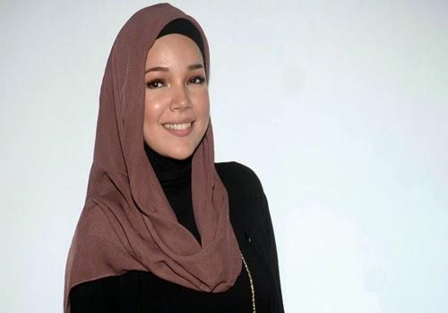 Foto Gaya Model Hijab Dewi Sandra Terbaru 2015 Model Gaya Fashion Terbaru