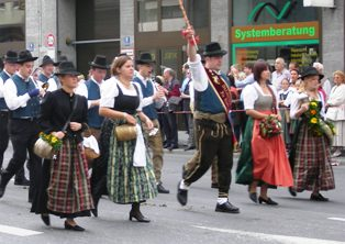 traditional german dress streets
