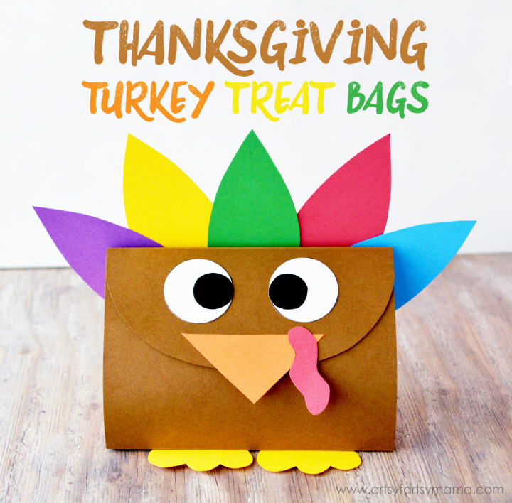 Thanksgiving Turkey Treat Bags with Free Printable Template at artsyfartsymama.com