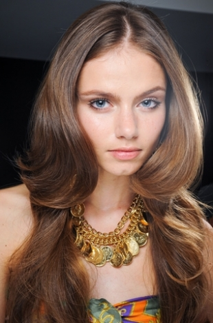 Lovely-Ways-to-Style-Your-Hair-this-Summer