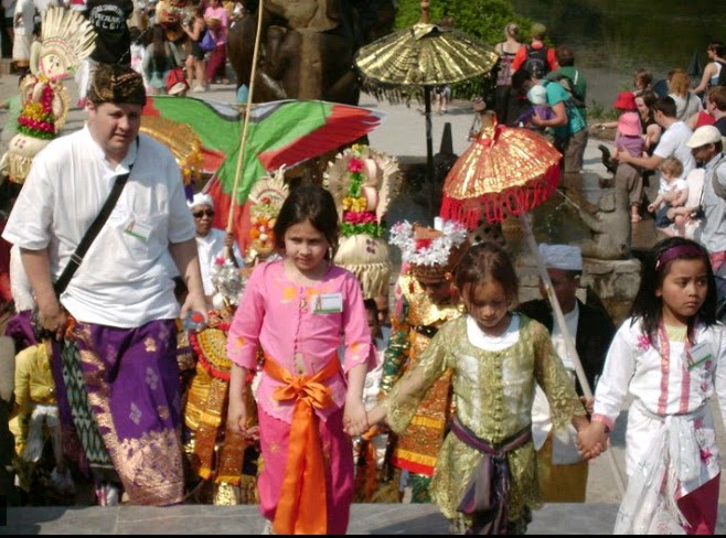Pura Santi Agung Bhuwana in Belgium, Pura Santi Agung Bhuwana, HIndu temple in Belgium, Pura Hindu in Belgium, Pura Hindu di Belgia, Hindu temple in Belgium,