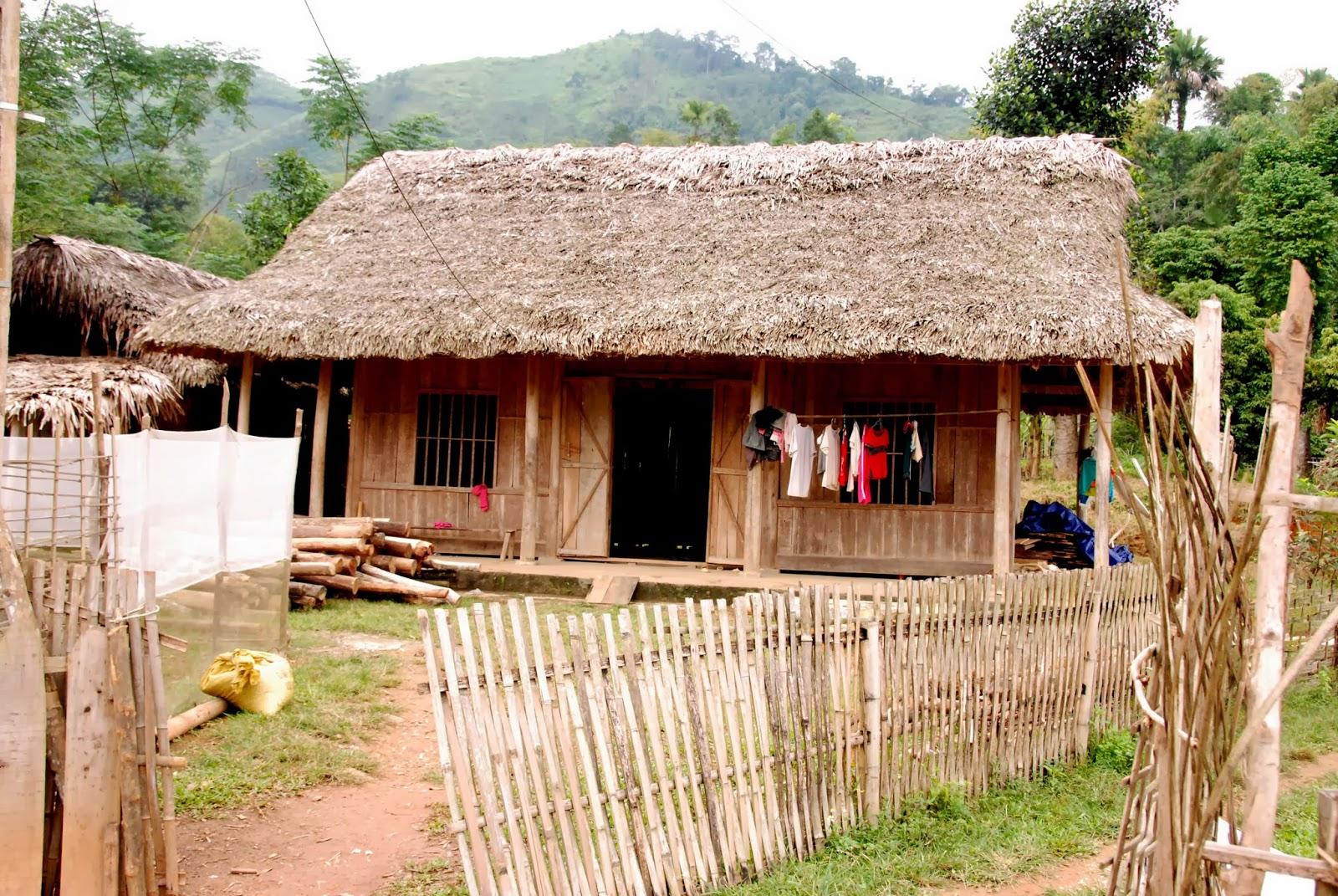 Thăm bản người Tày ở Lào Cai