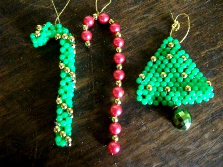 Bastones y árbol navideño , con perlas de fantasia