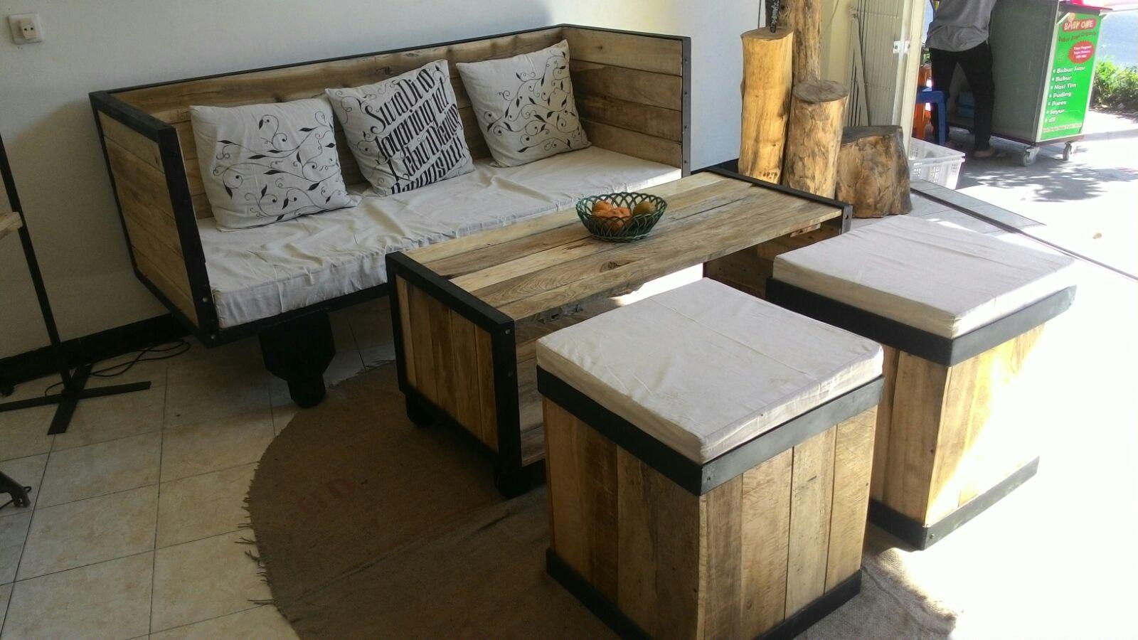 Desain interior mini coffee shop yang simple dan unik for Jual kitchen set bekas