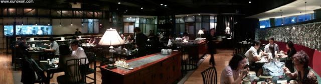 Interior del restaurante chino de la estación de tren de Seúl en Corea del Sur