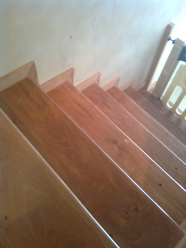 Neofusion escalera en madera anchico - Zocalos para escaleras ...