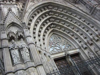 Barcelona cathedral doorway
