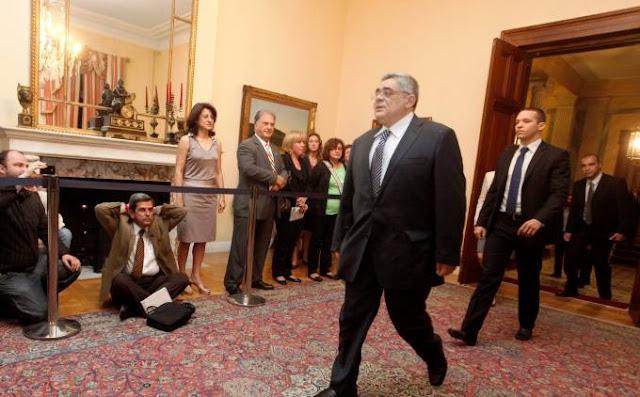 Βηματοδότης: Φοβούνται τα... γαλλικά του Ν. Μιχαλολιάκου στον Ολάντ, γι΄αυτό δεν τον καλούν στο Προεδρικό Μέγαρο!