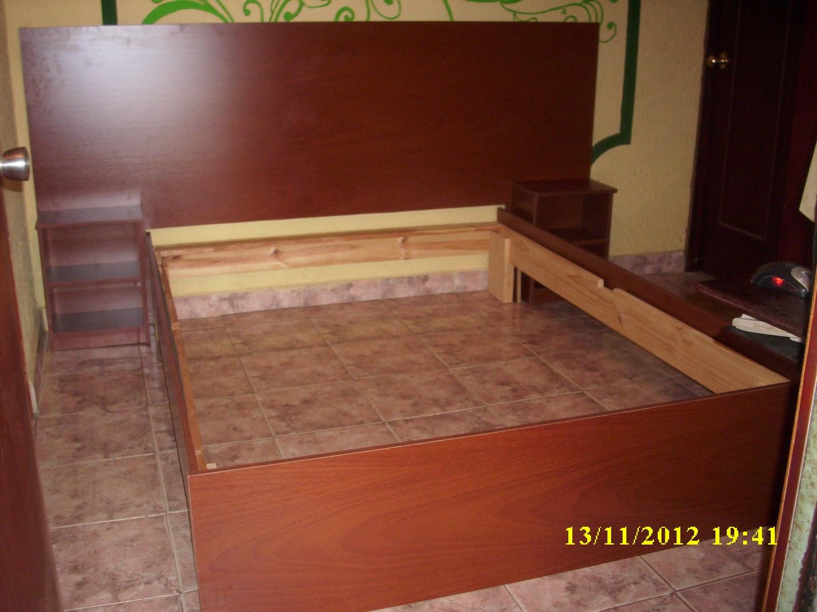 Mis trabajos en madera cama en melamina y pino for Madera de melamina