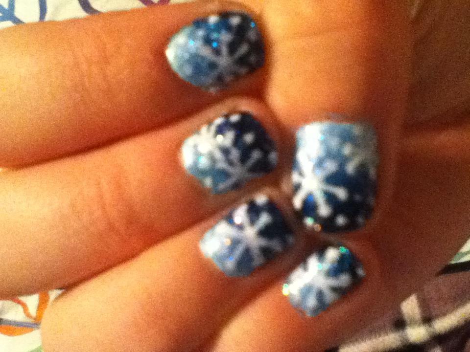 Abby\'s Nail Designs: Winter Snowflake Nails